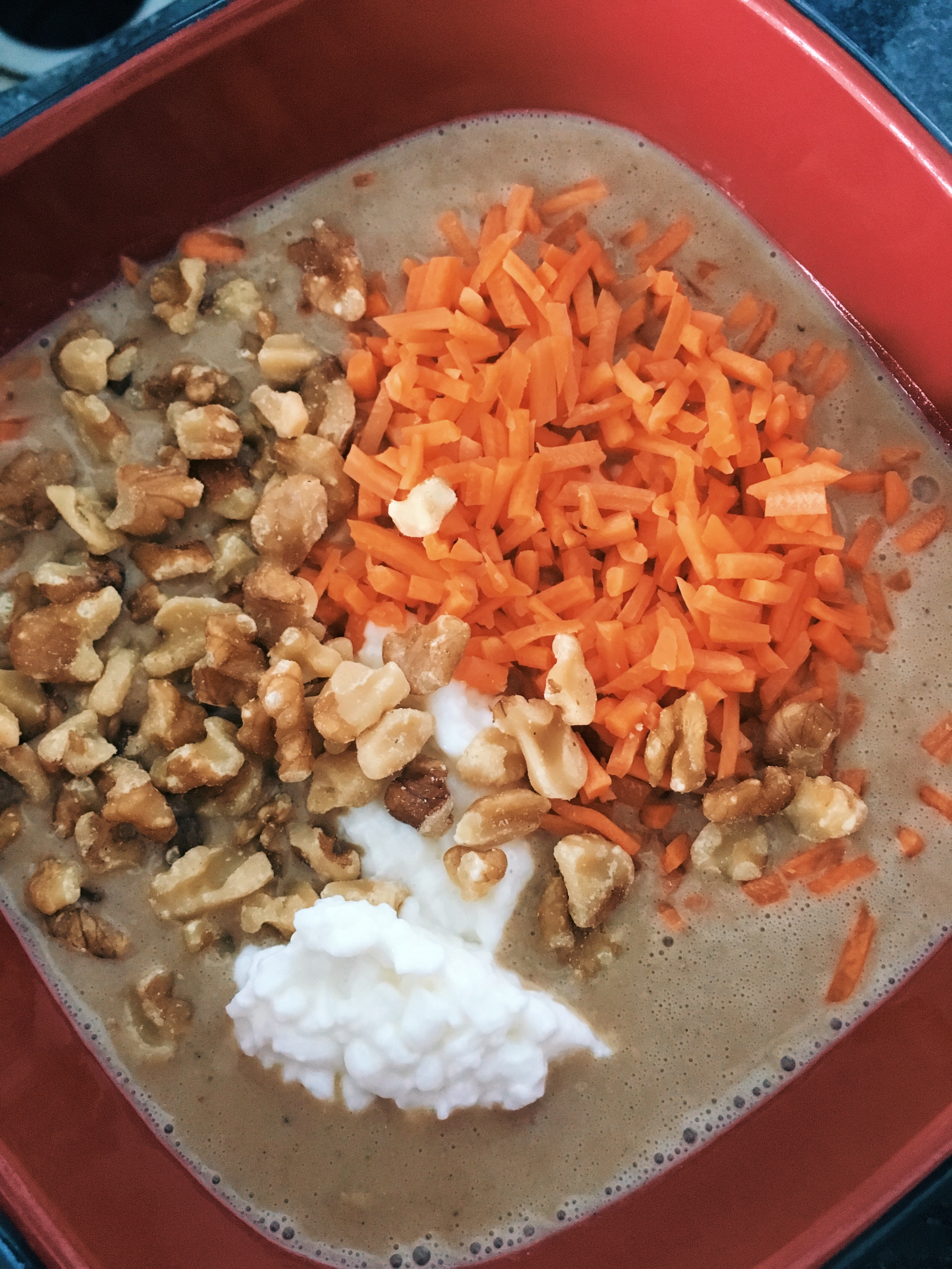 How to Make It: Carrot Cake Smoothie Bowl Recipe