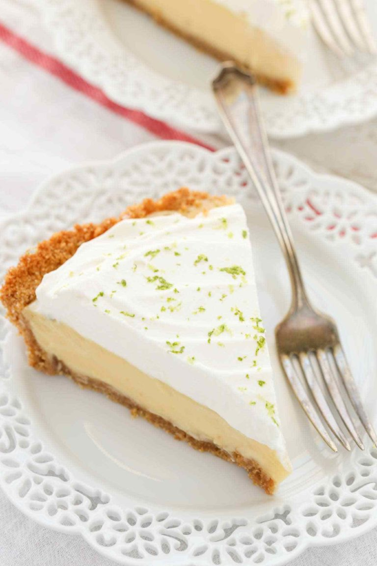 Picture of a slice of classic key lime pie
